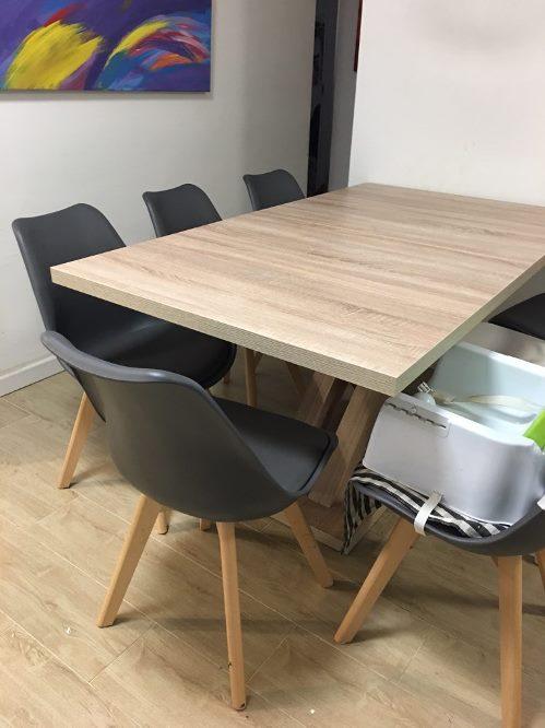 איילת, שולחן AVANT + כסאות OSCAR