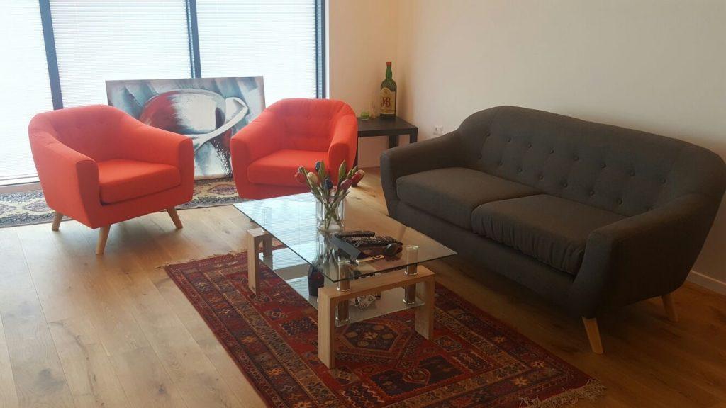 גל מגבעתיים, ספה SOHO וכורסאות WENGEN