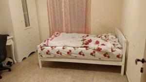 פייס מצפת, מיטה זוגית מעץ מלא DEYA