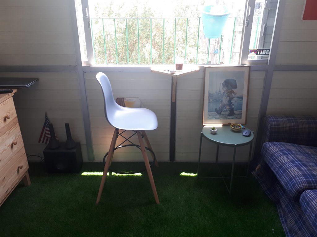 עומרי מתל אביב, כסא KARE